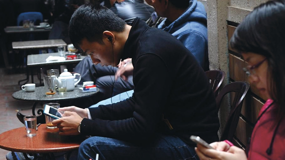 GROWING SMARTPHONE OWNERSHIP IN VIETNAM OPENS DOOR FOR MOBILE MARKETERS